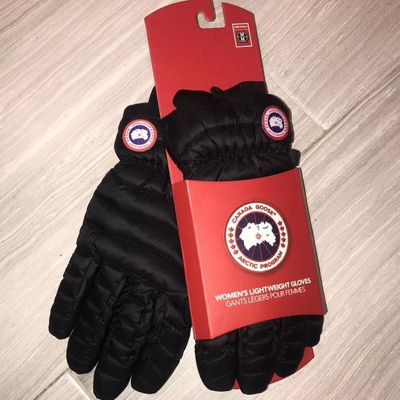 3a56e14b012 Canada Goose Accessories